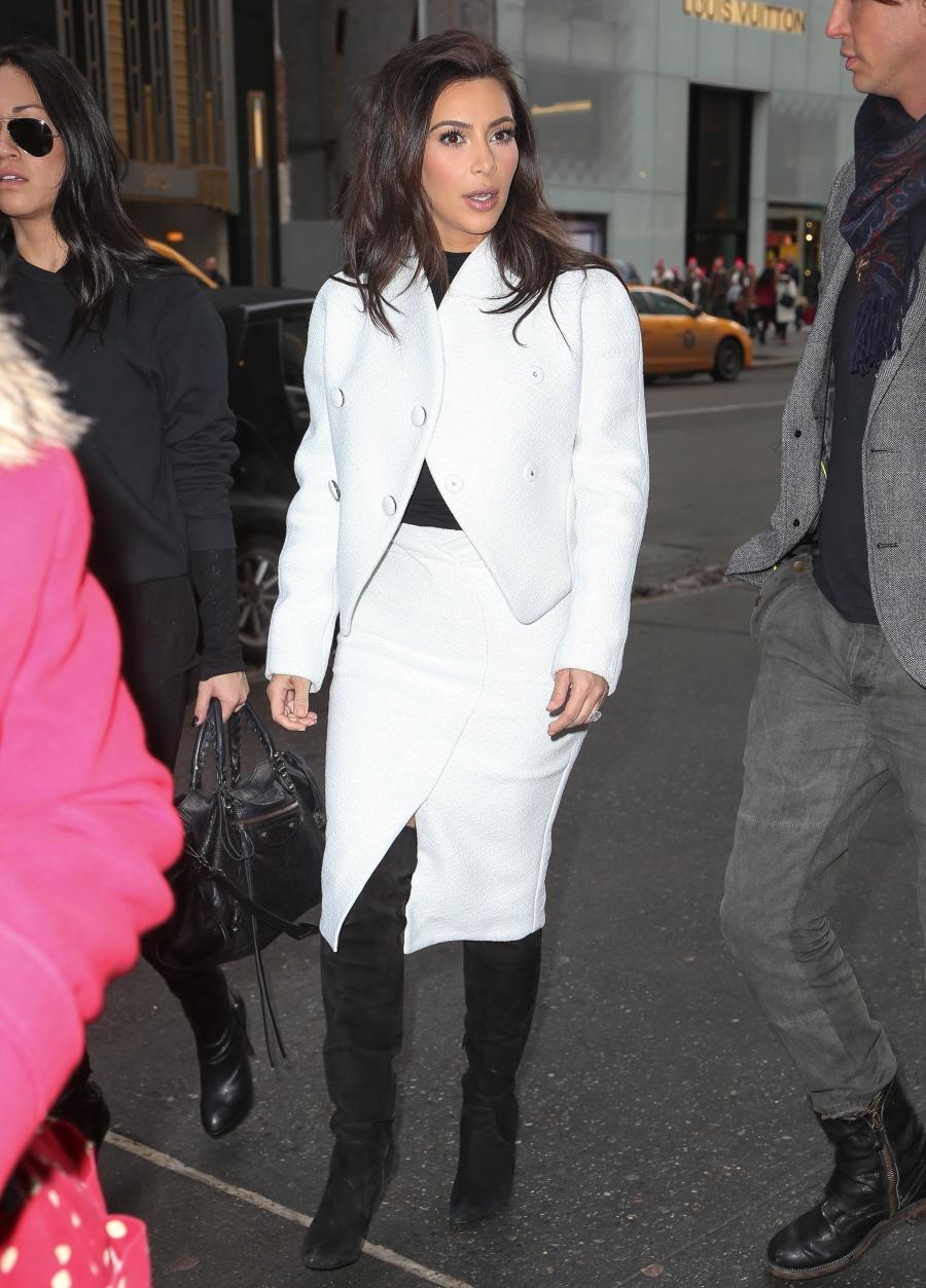 FFN_Kardashian_Kim_GG_021814_51333354