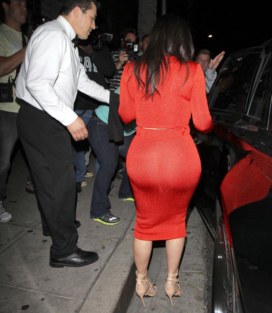 Cele|bitchy | Kim Kardashian in a red, midriff-baring Calvin Klein ...