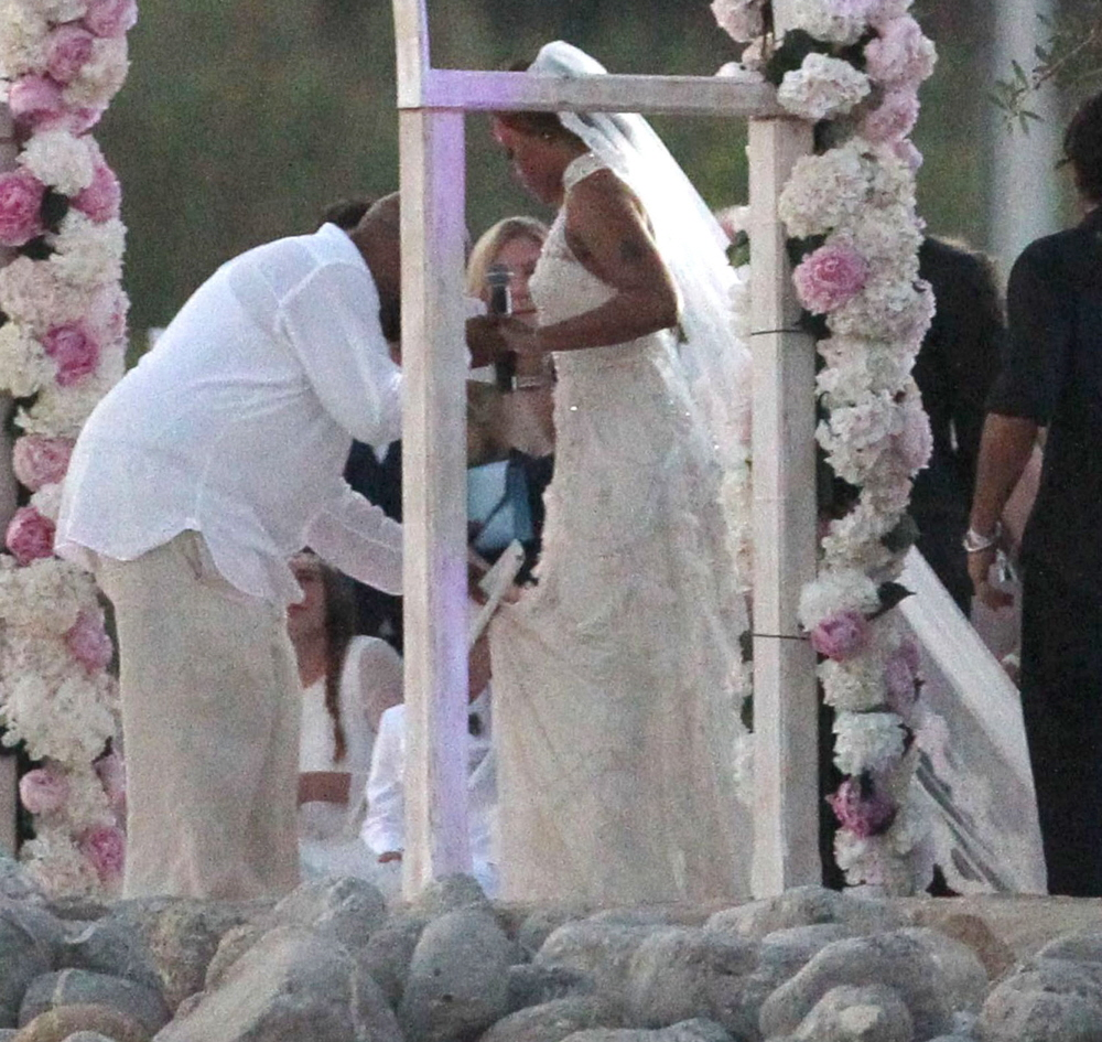 Cele Bitchy Eve Wears Alice Temperley Gown Marries