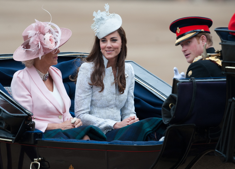 Cele Bitchy Duchess Kate Wears Blue Mcqueen To Trooping