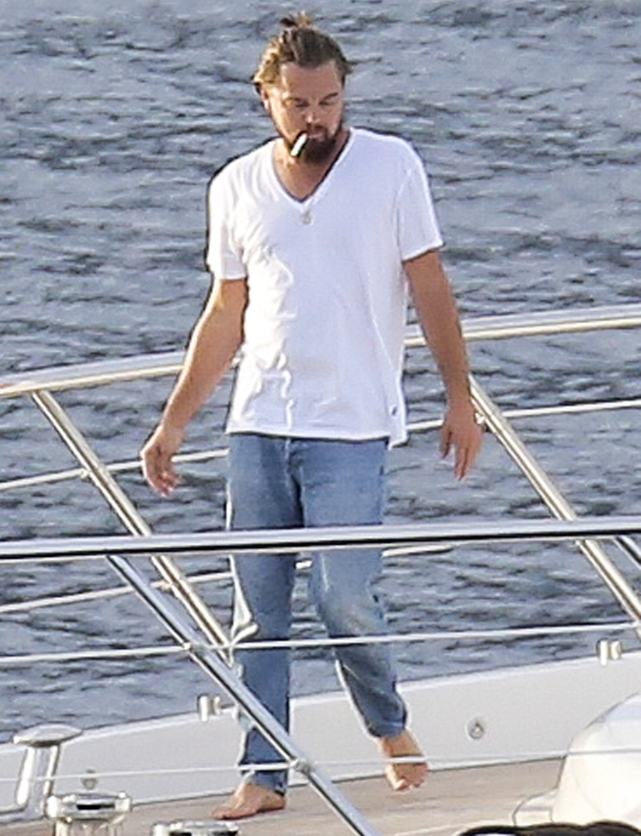 FFN_DiCaprio_YachtKarate_EXCL_PAL_072214_51484445