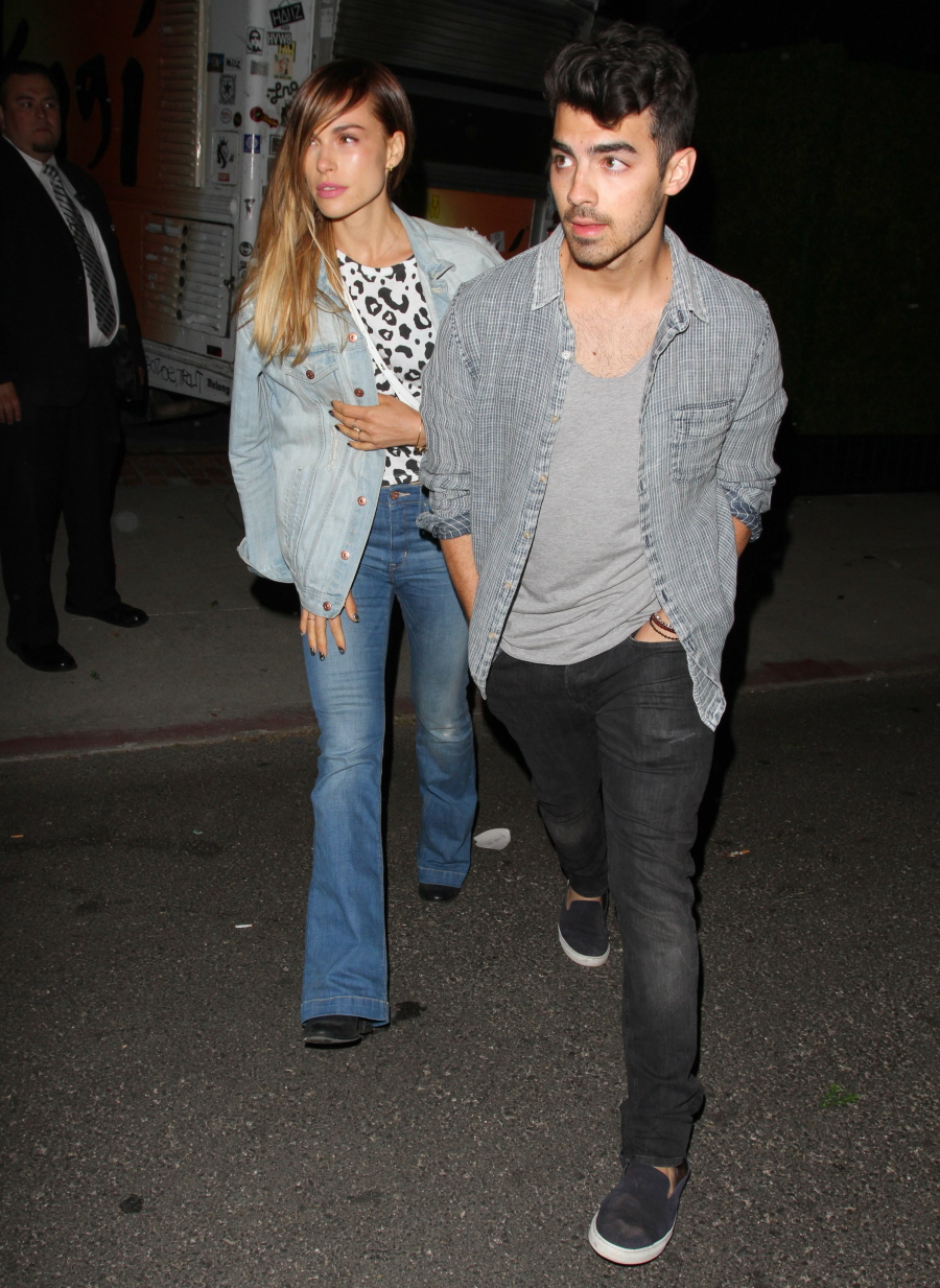 FFN_Celebs_Levis_Party_THUMB_041614_51386132
