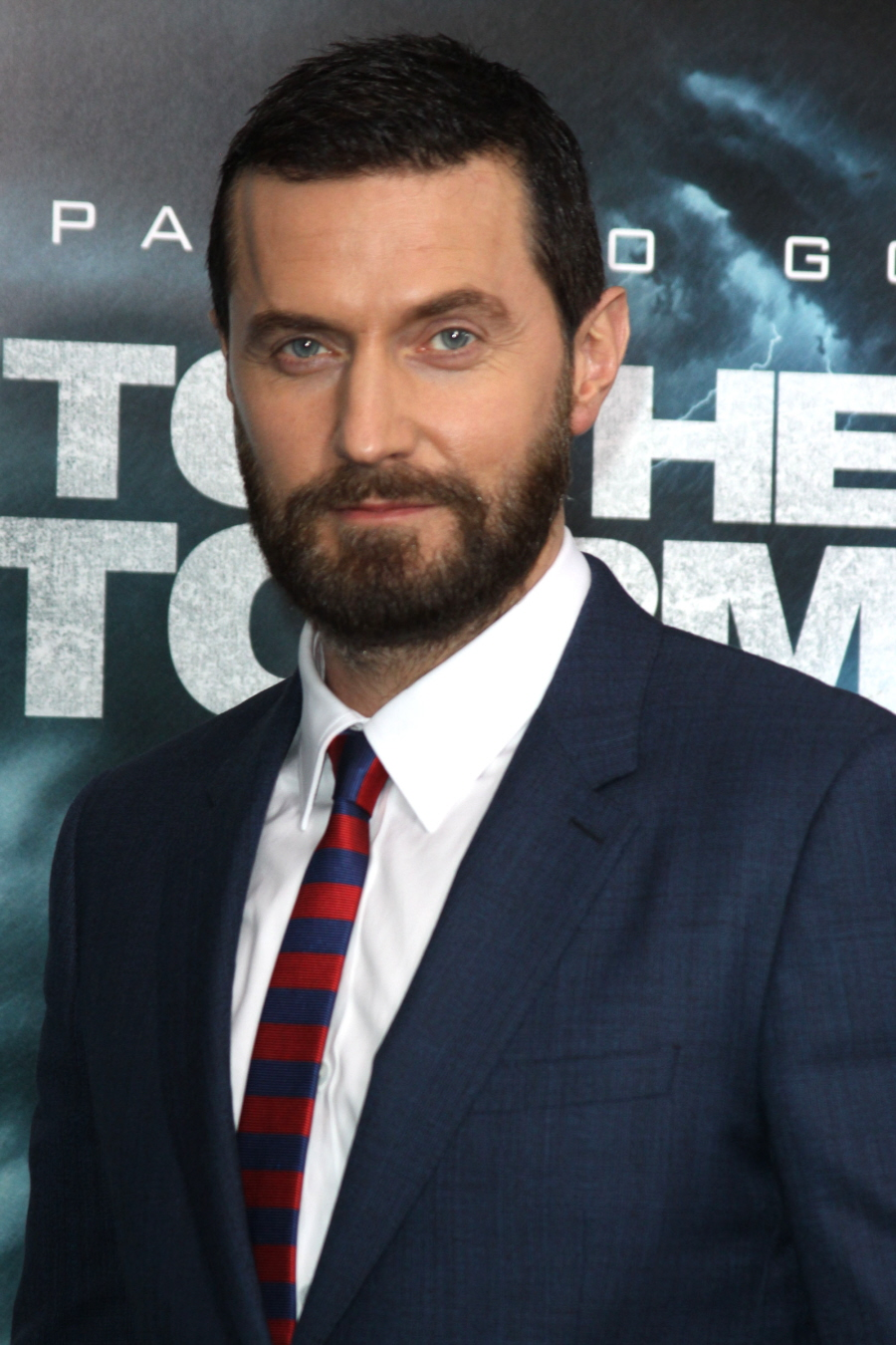 Cele bitchy richard armitage shows off his new beard in nyc would