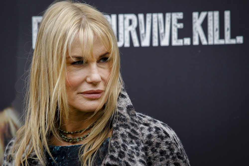 Neil young dating daryl hannah 4