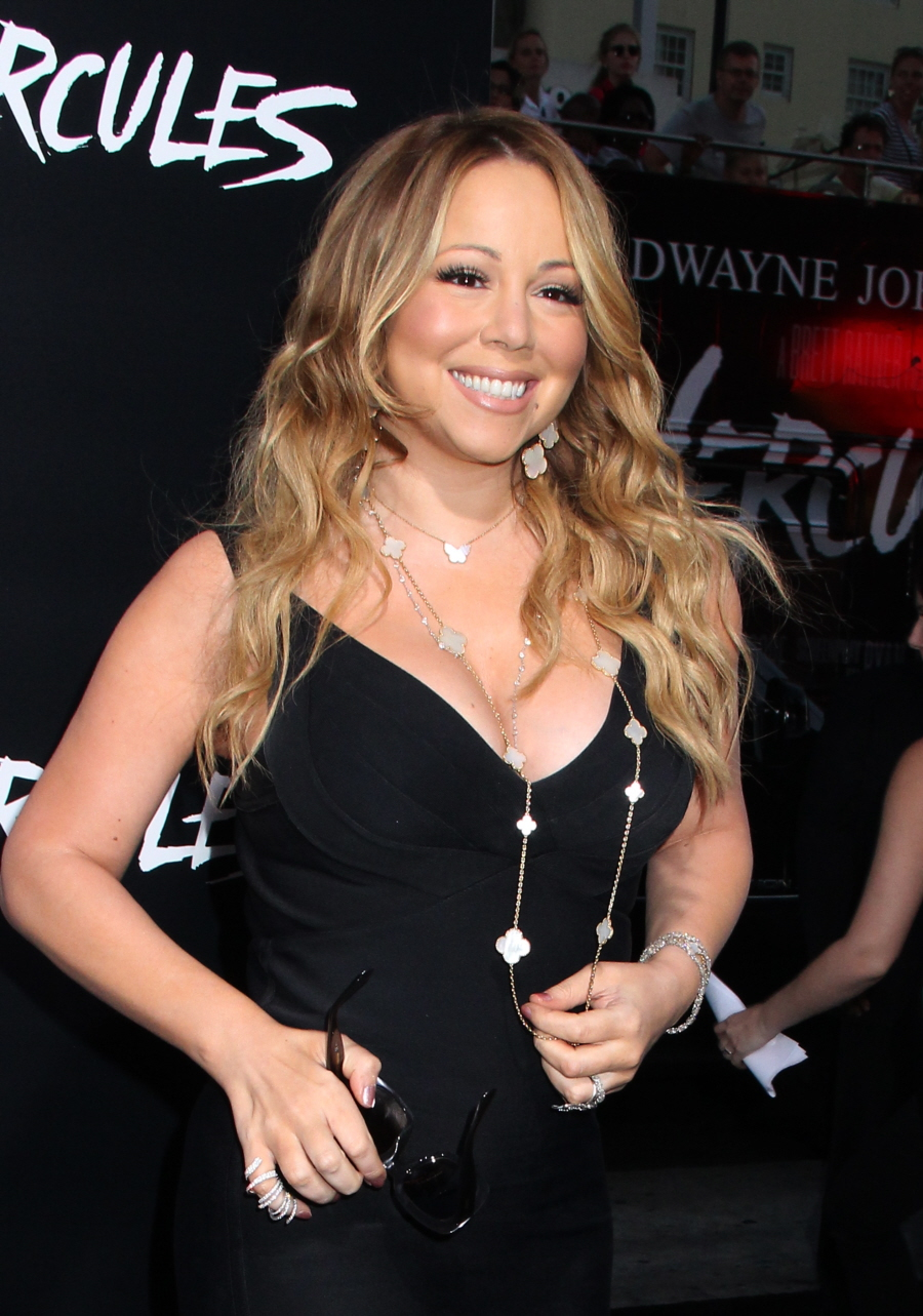 """""""Mariah Carey wants you to know that she can still hit the high notes"""" links"""