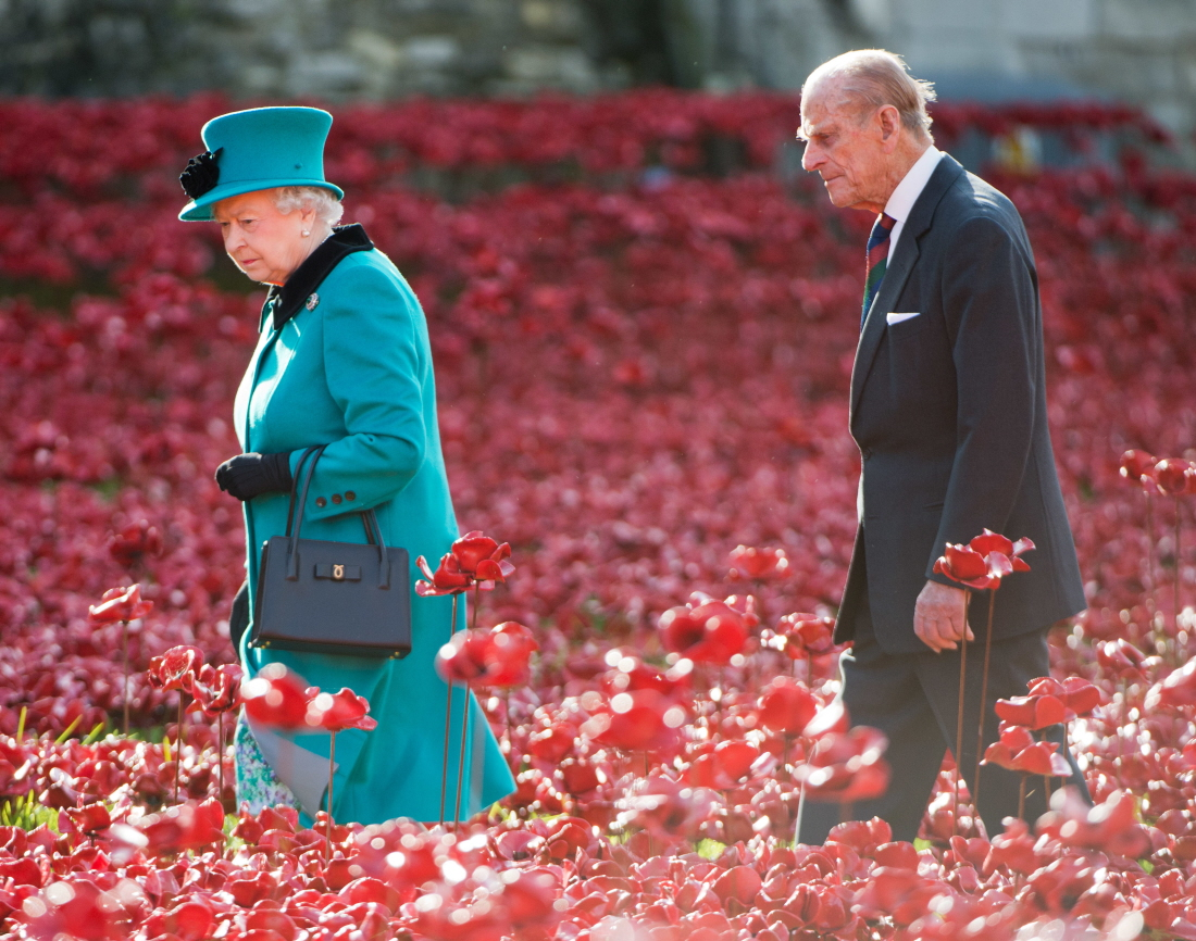 Is the Queen refusing to invite the Middletons to Sandringham for Christmas?