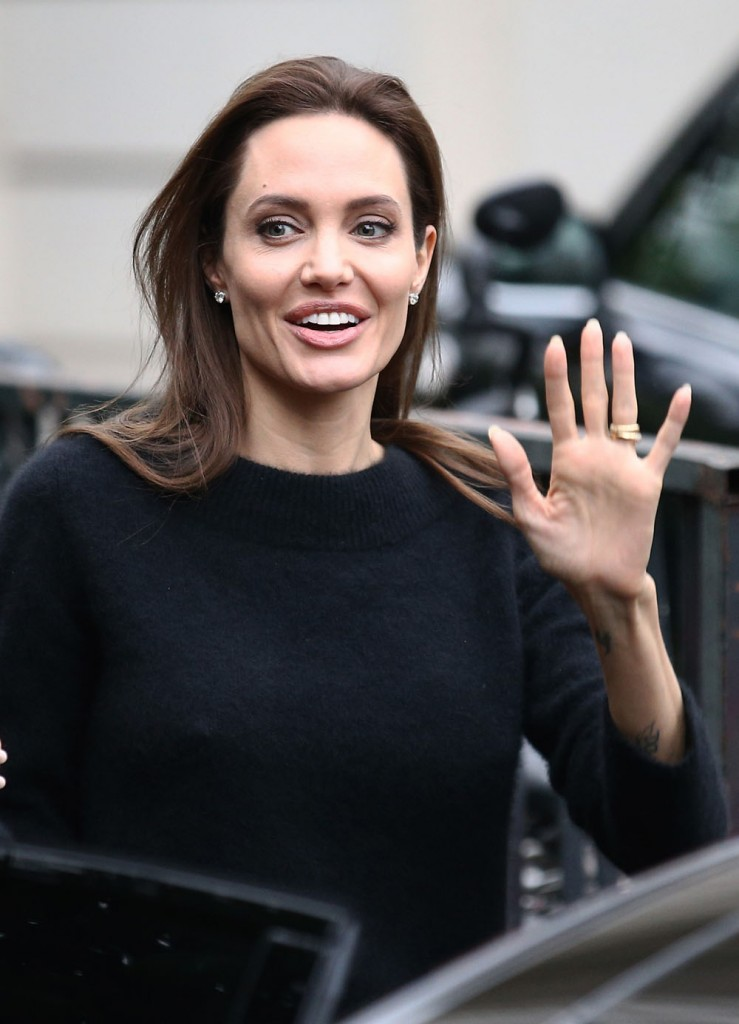 """Angelina Jolie Visits """"Vivement Dimanche"""""""