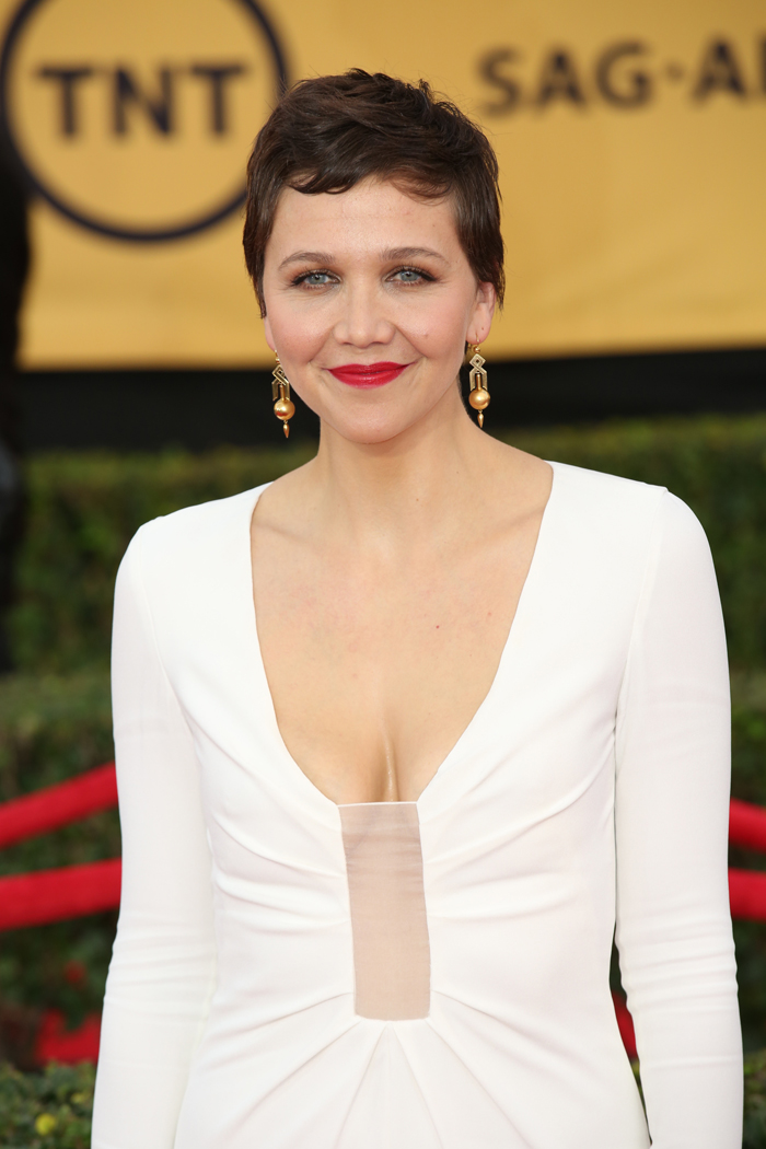 Cele|bitchy | Maggie Gyllenhaal in white Thakoon at the ... Maggie Gyllenhaal