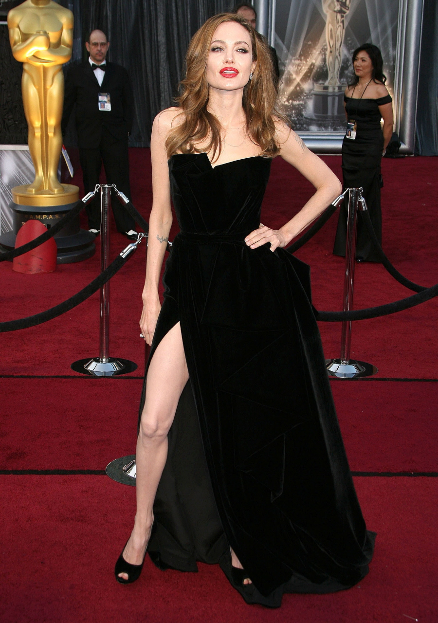 Angelina jolie red carpet dresses - photo#18