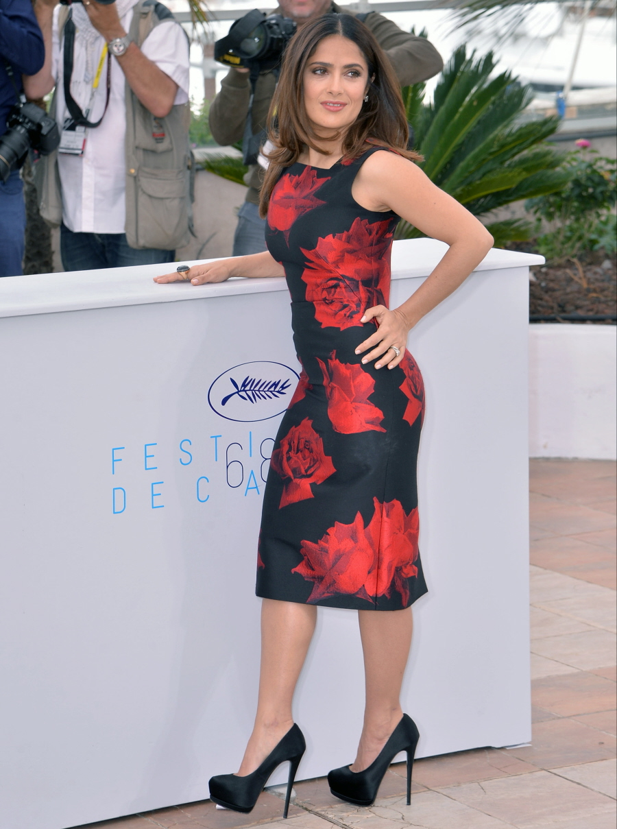 Cele bitchy   Salma Hayek maintains her figure by 'holding ...