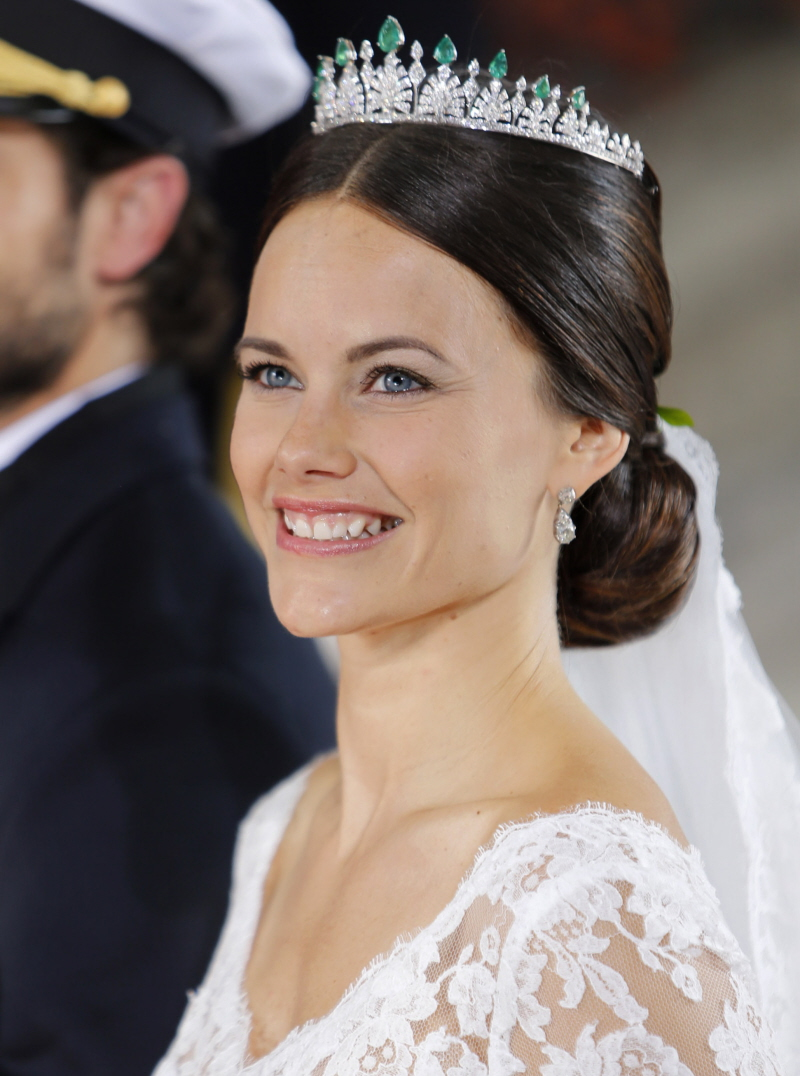 The groom why didn t carl philip shave that scraggly beard why did