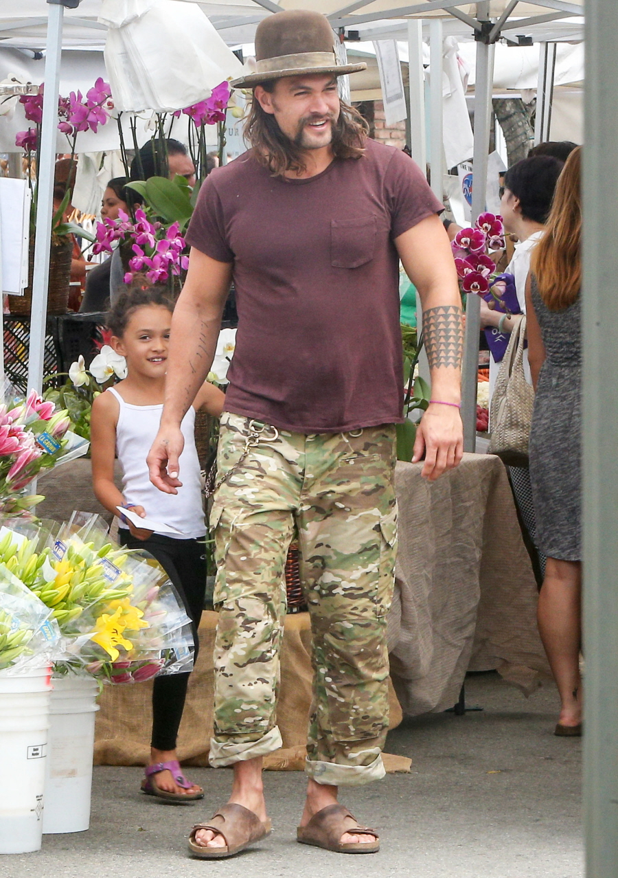 Cele Bitchy Jason Momoa Wore Sandals To The Farmers