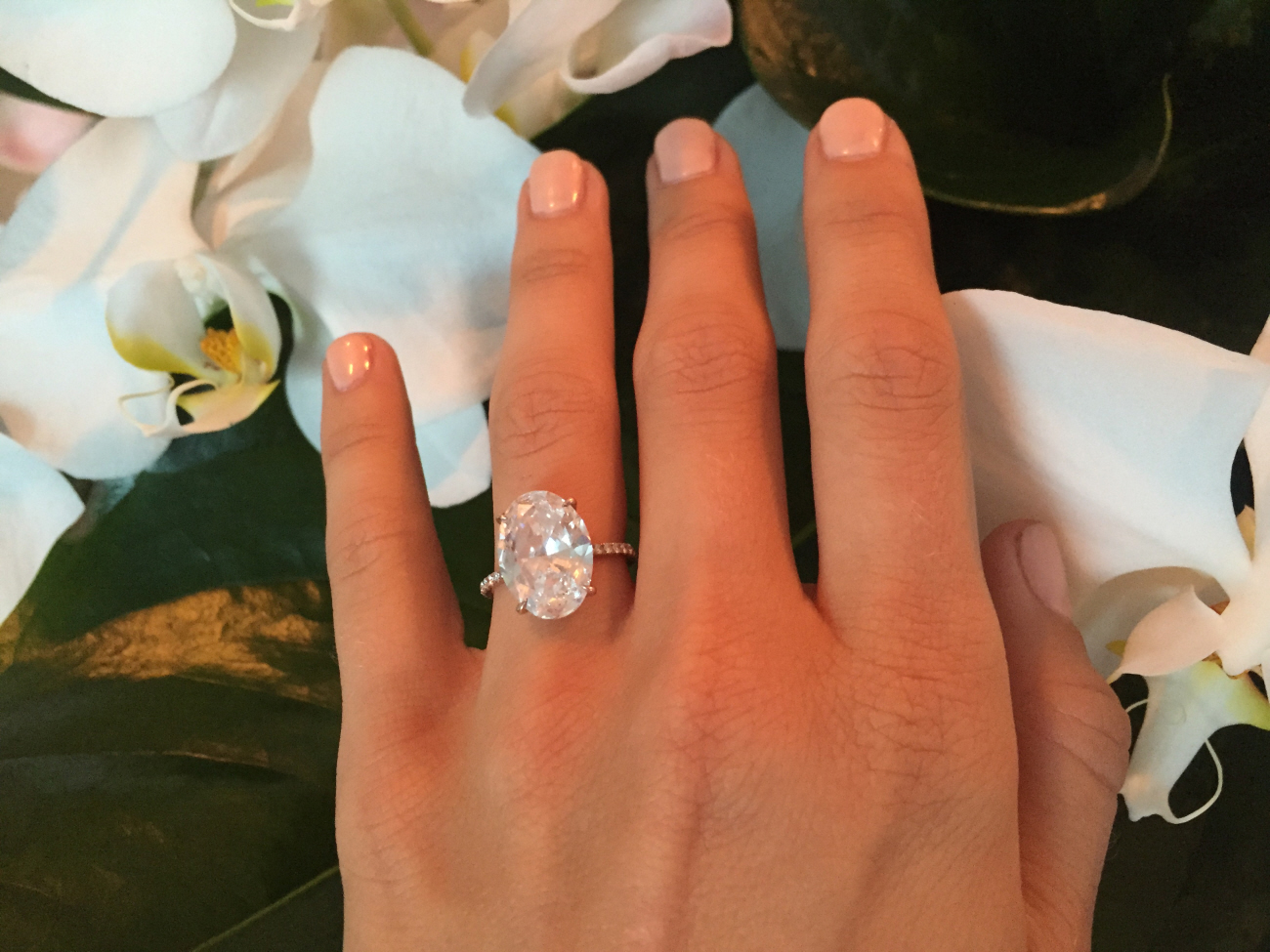 julianne hough finally flashes her 5 carat oval cut engagement ring fab or fug giant wedding ring hough1