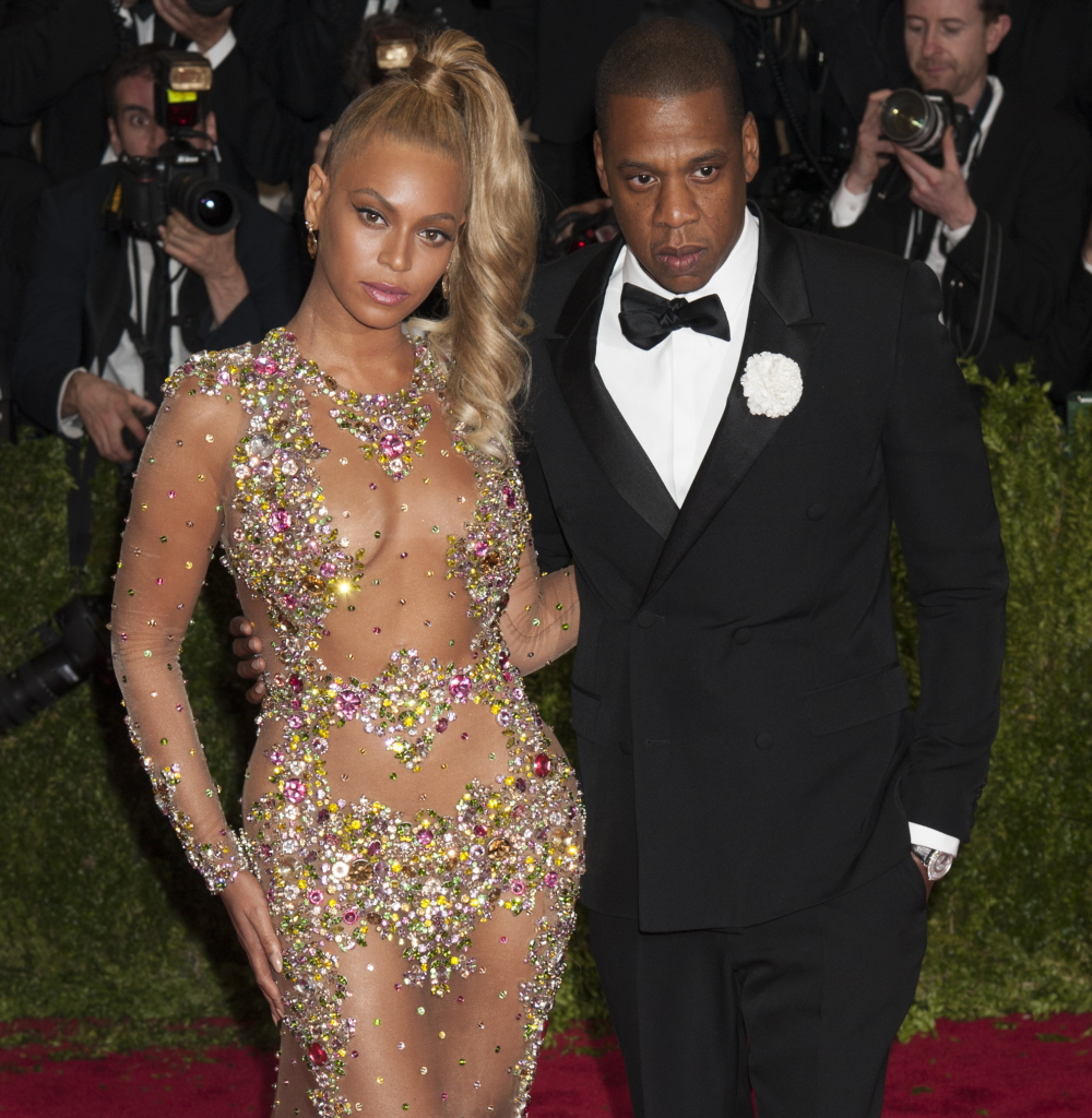 Beyonce & Jay-Z Aren't Wearing Their Rings