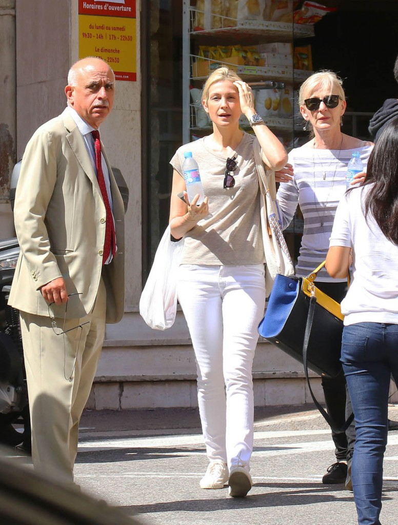 Kelly Rutherford Meets With Her Lawyer In Monte-Carlo
