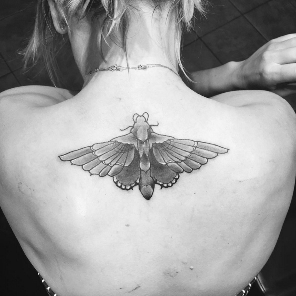 Cele bitchy kaley cuoco got a moth tattoo to cover up for Covering tattoos for wedding