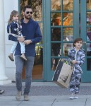 Scott Disick Takes His Kids To Barnes & Noble