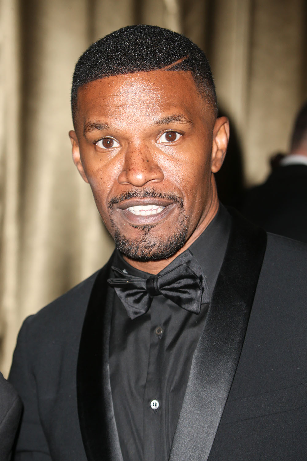 Cele Bitchy Jamie Foxx Rescued A Man From A Burning