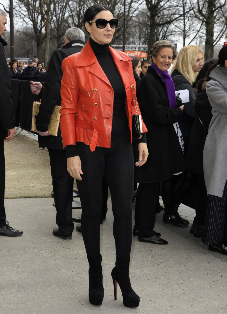 Cele|bitchy | Gwyneth Paltrow at the Chanel show for Paris ... Monica Bellucci Boyfriend 2016