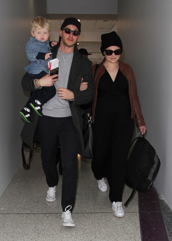 Ginnifer Goodwin and family arrive at LAX