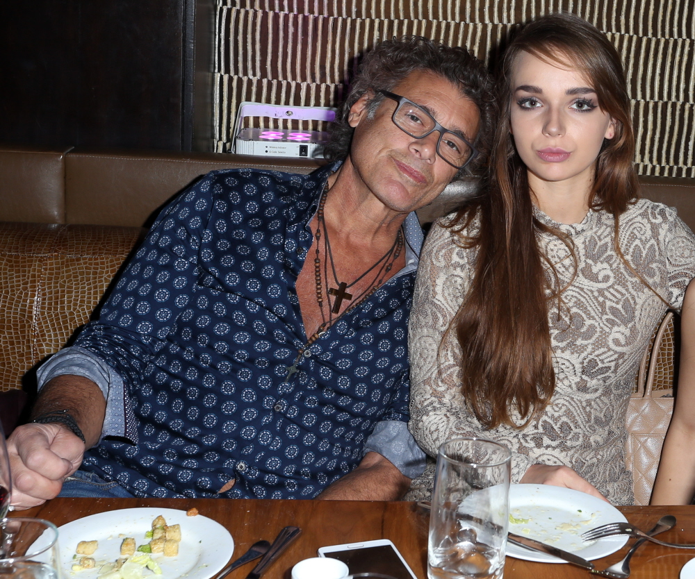 57 year old scarface actor dating 18 year old Veteran scarface star steven bauer is reportedly dating a teenager 39 years his juniorthe actor, 57, made his red carpet debut with 18-year-old lyda loudon at the hollywood premiere of woody allen&rsquos new film magic in the moonlight last week and editors at usmagazine.
