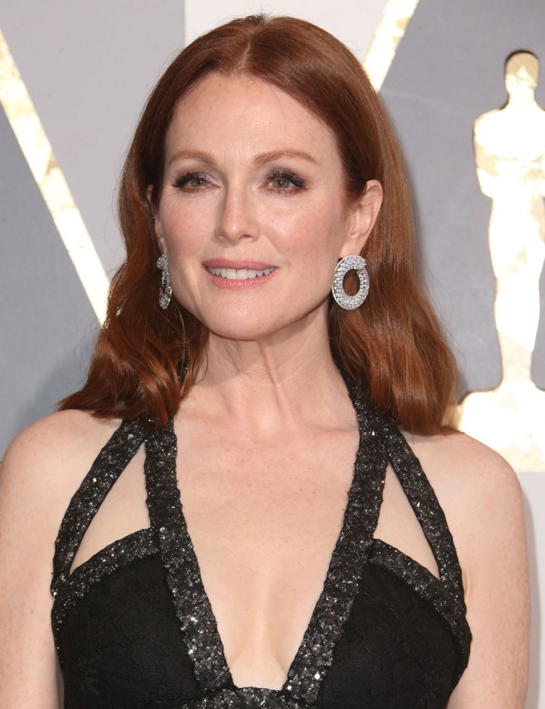 Julianne Moore at The  88th Annual Academy Awards in LA