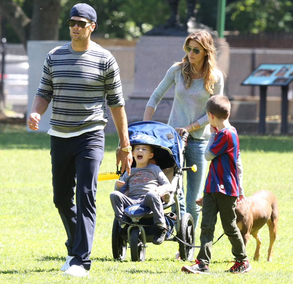 Cele Bitchy Tom Brady Gisele Are Either Bored Or They