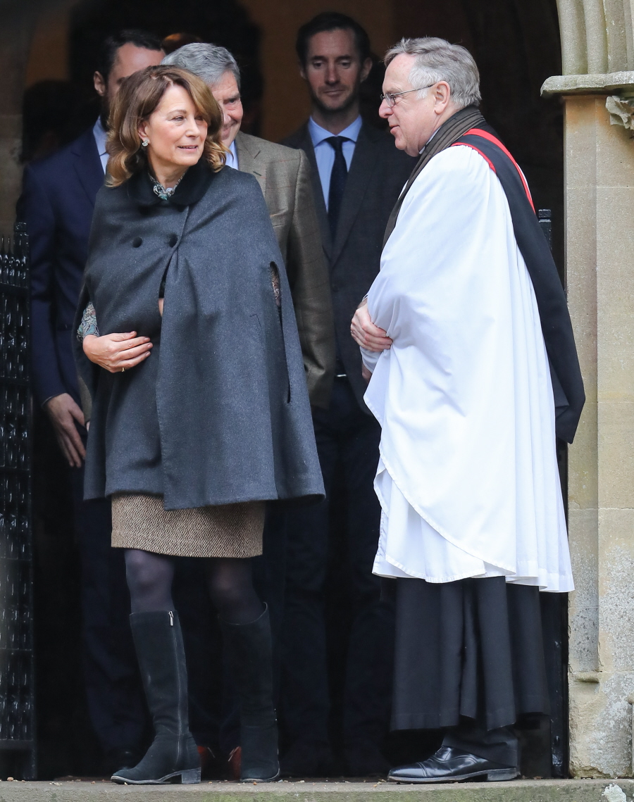 wenn30653995  bitchy | The Cambridges & the Middletons did a church photo-op for Christmas wenn30653995