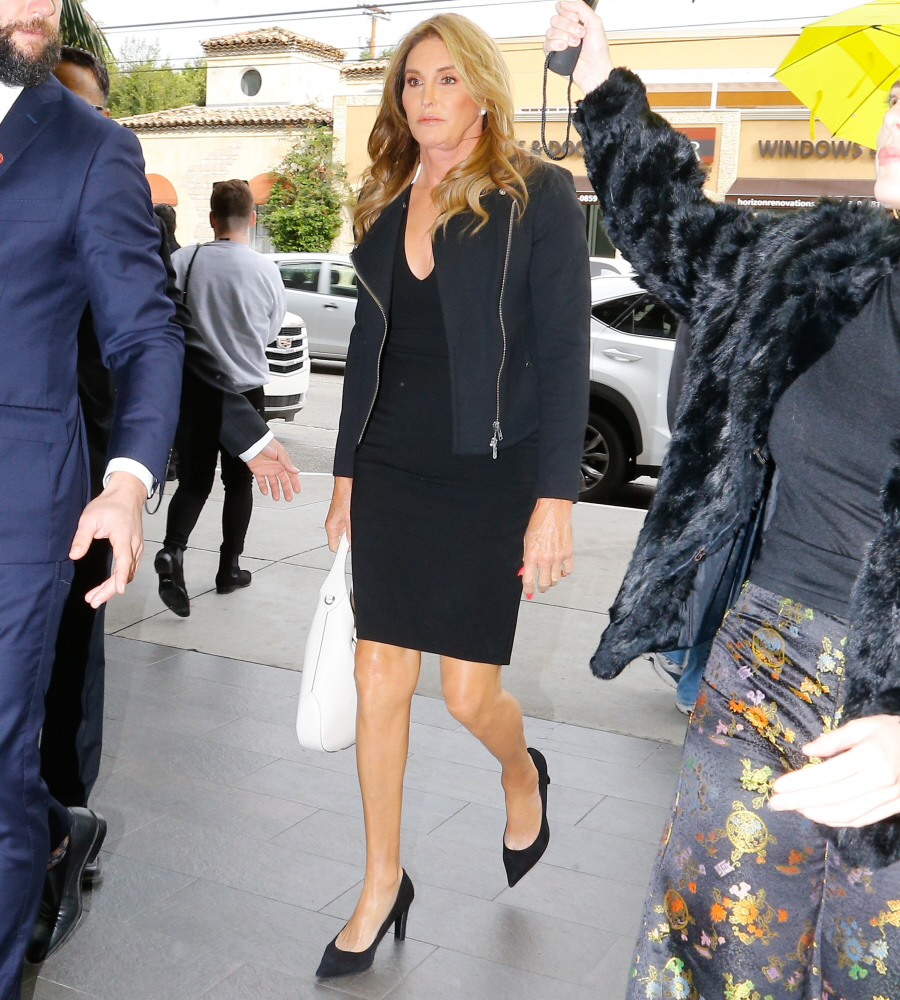 FFN_FF3FF13_JENNER_C_172017_52275194  bitchy | Caitlyn Jenner 'has accepted an invite to Donald Trump's inauguration' FFN FF3FF13 JENNER C 172017 52275194