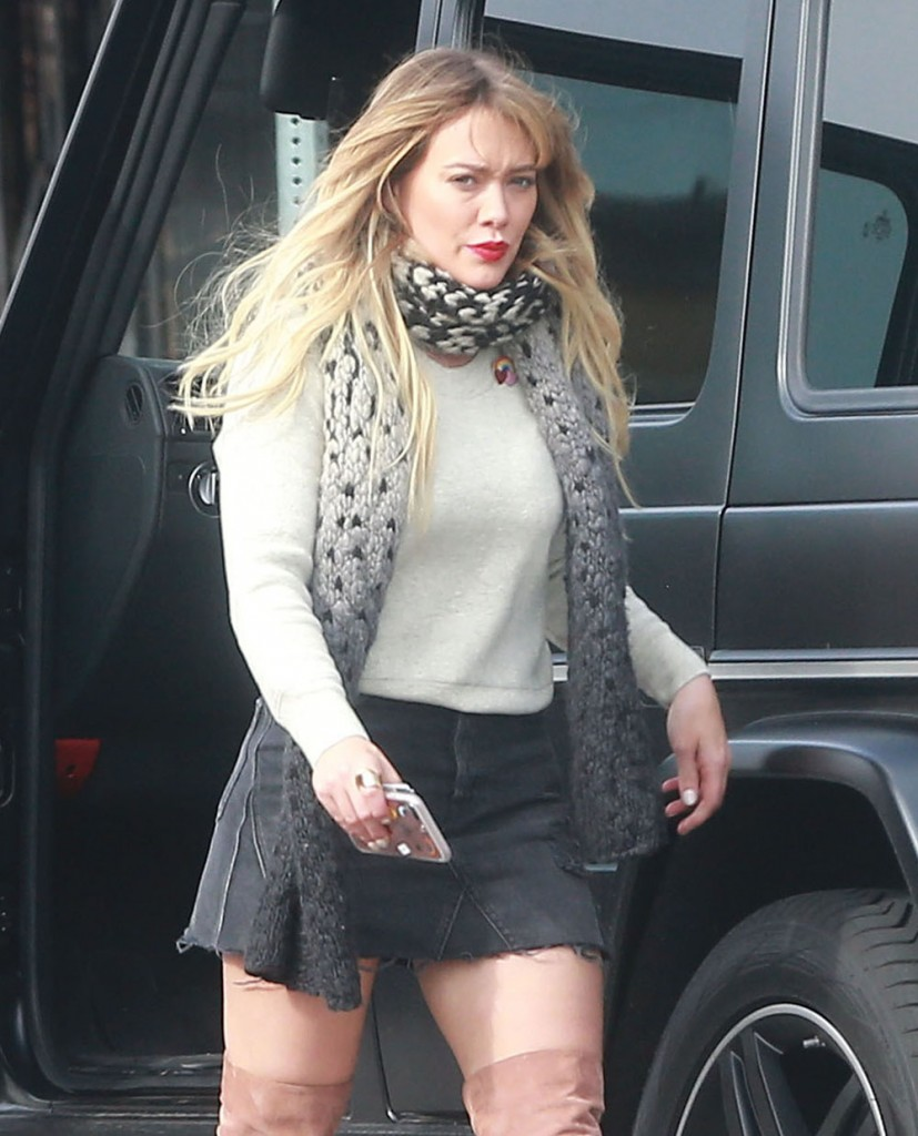 Hilary Duff Out For Lunch In Studio City  bitchy | Hilary Duff has a brand new boyfriend they usually're already going for pap strolls FFN FF6FF7 Duff Hilary 010917 52278097 edited 1