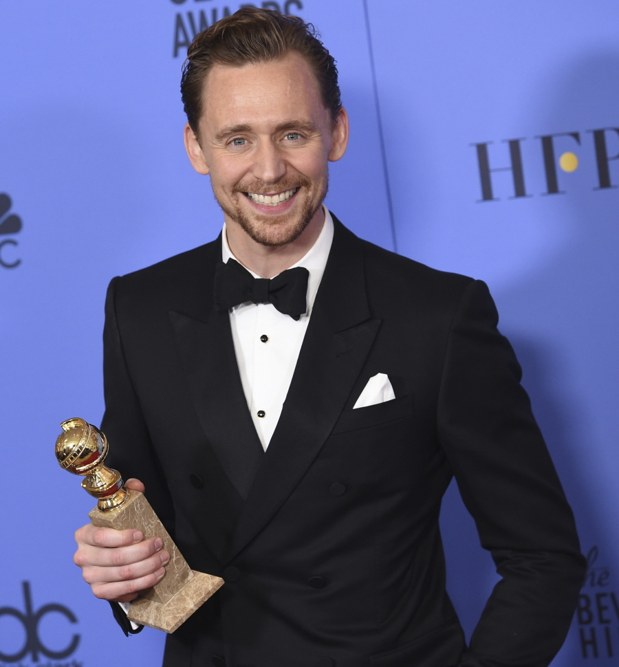 FFN_KMFF_Golden_Globes_Press_Room_010817_52277100  bitchy | Tom Hiddleston's 'thriller brunette' isn't his girlfriend, she's a GQ reporter FFN KMFF Golden Globes Press Room 010817 522771001