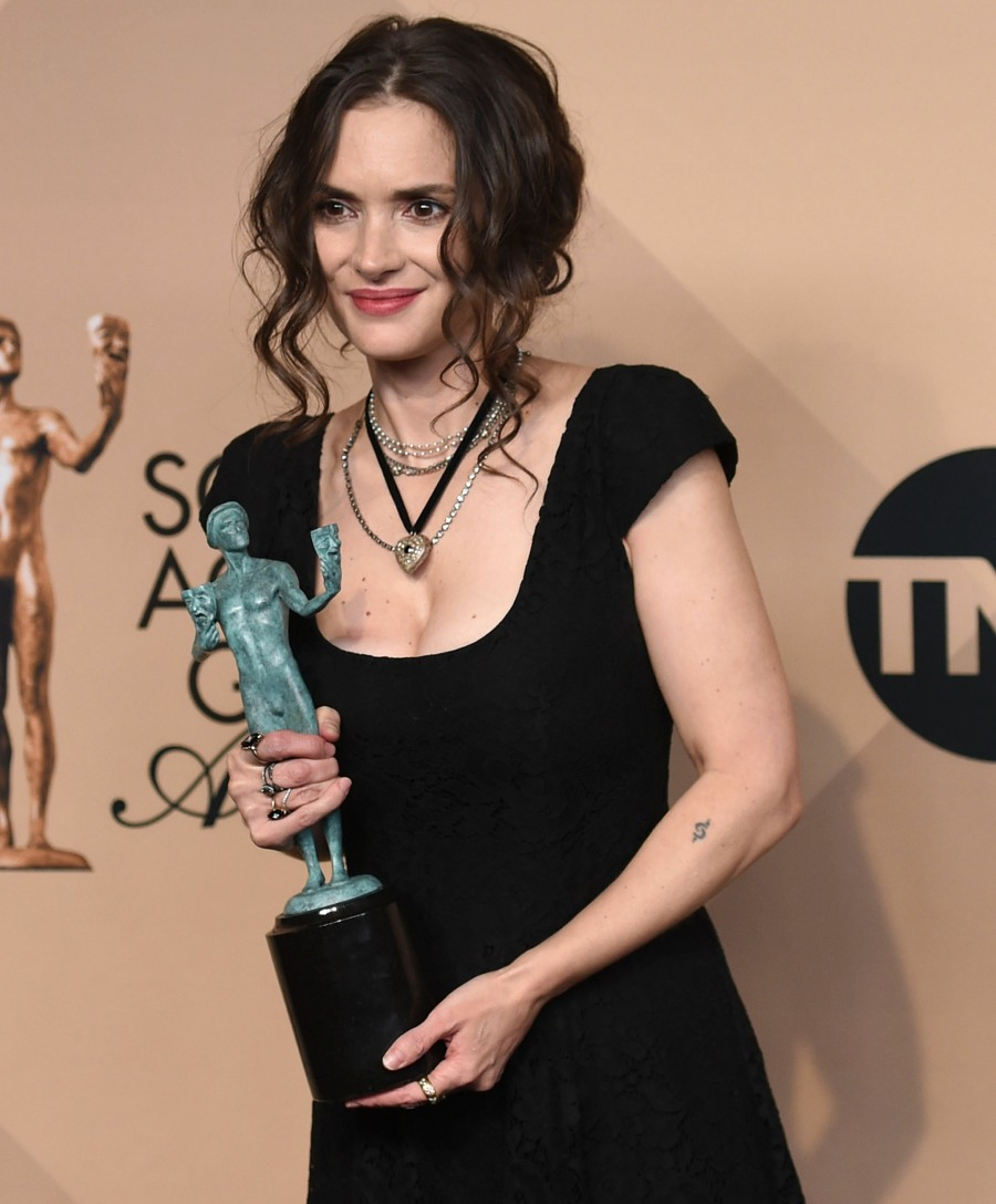The 23rd Annual SAG Awards - Press Room  bitchy | Winona Ryder in Ryan Roche on the SAGs: old-school or simply boring? FFN KMFF SAG Awards 1 Press Room 012917 52298540