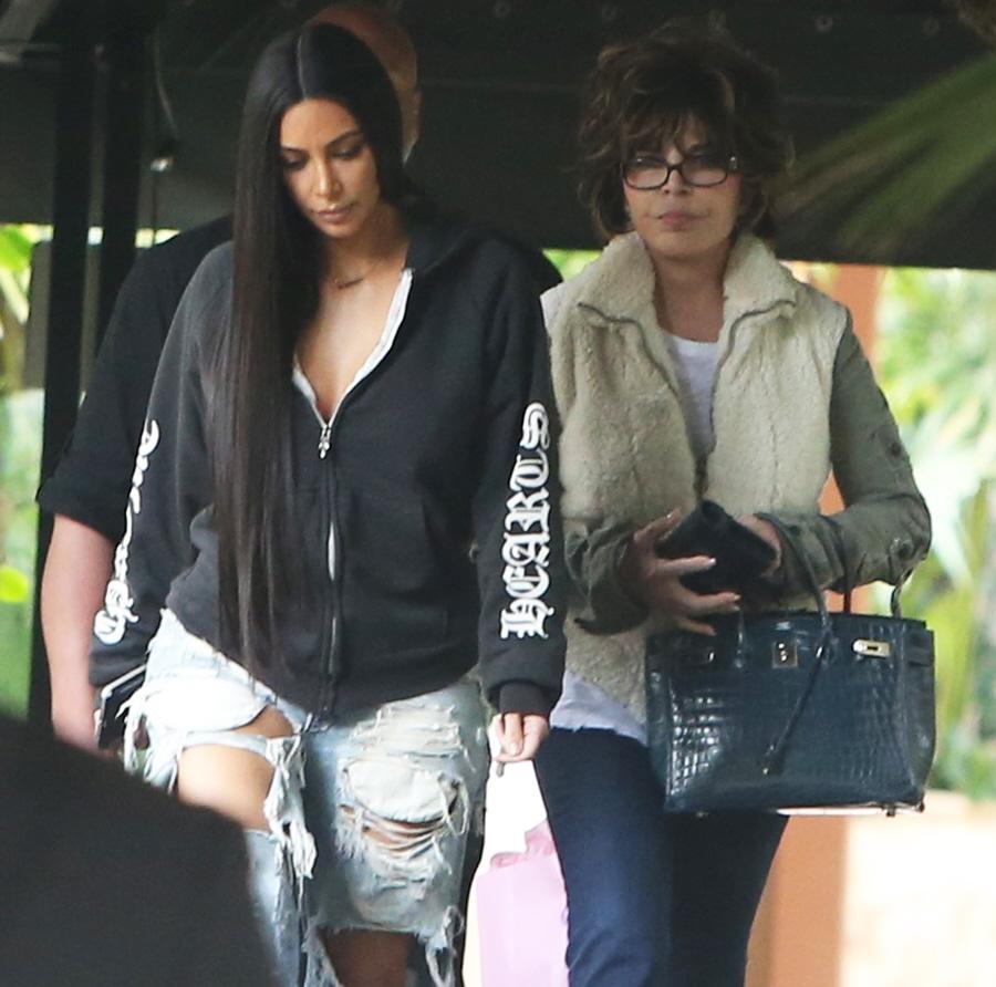 FFN_Kardashian_Kim_ROC_FF9_010417_52272553  bitchy | Kim Kardashian pap-strolled in gloriously hideous denims: did you miss this? FFN Kardashian Kim ROC FF9 010417 52272553