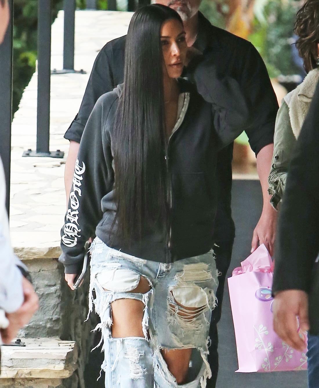 FFN_Kardashian_Kim_ROC_FF9_010417_52272562  bitchy | Kim Kardashian pap-strolled in gloriously hideous denims: did you miss this? FFN Kardashian Kim ROC FF9 010417 52272562