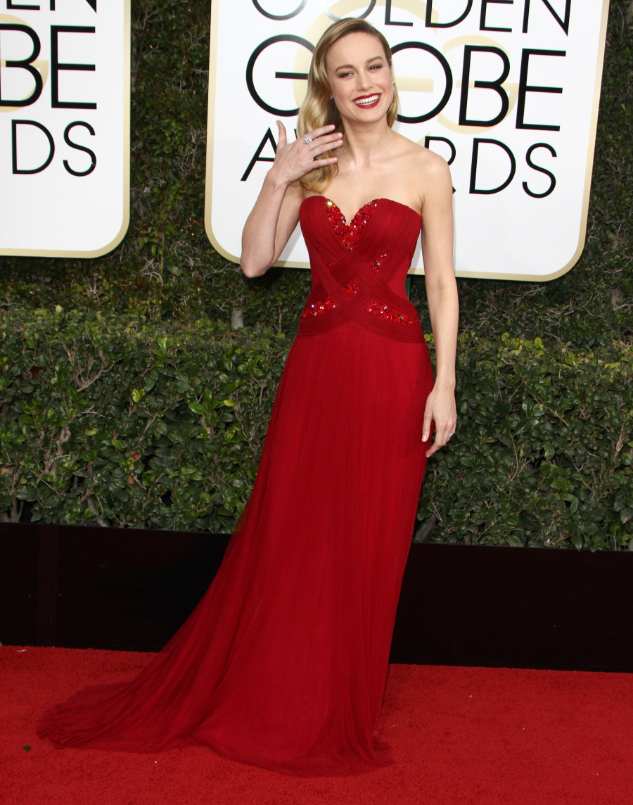 FFN_RIJ_GOLDEN_GLOBES_SET2_010817_52276543  bitchy | Brie Larson in pink Rodarte on the Golden Globes: too easy or simply excellent? FFN RIJ GOLDEN GLOBES SET2 010817 52276543