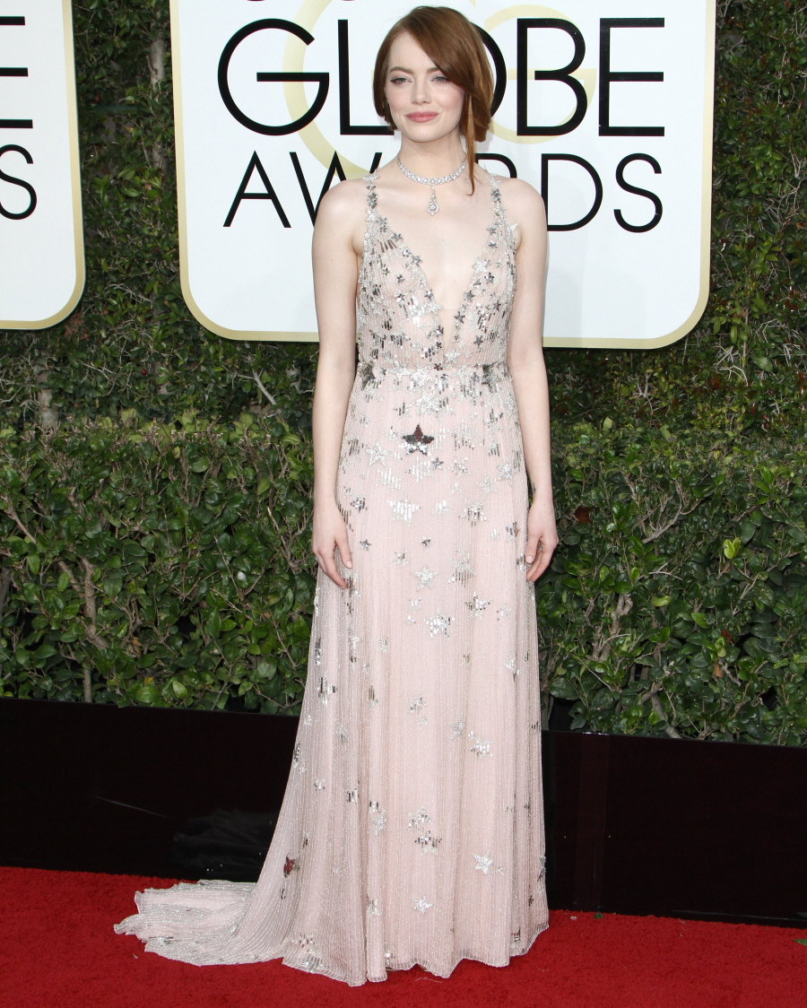 FFN_RIJ_GOLDEN_GLOBES_SET3_010817_52276664  bitchy | Emma Stone in star-covered Valentino on the Golden Globes: twee or candy? FFN RIJ GOLDEN GLOBES SET3 010817 52276664