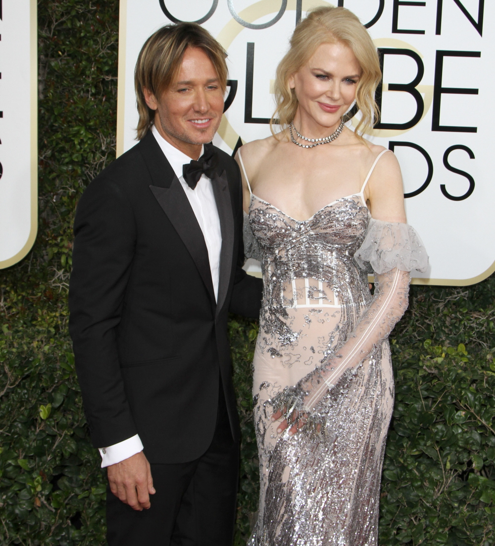 FFN_RIJ_GOLDEN_GLOBES_SET3_010817_52276685  bitchy   Nicole Kidman in McQueen: one of many worst seems of the Golden Globes? FFN RIJ GOLDEN GLOBES SET3 010817 52276685