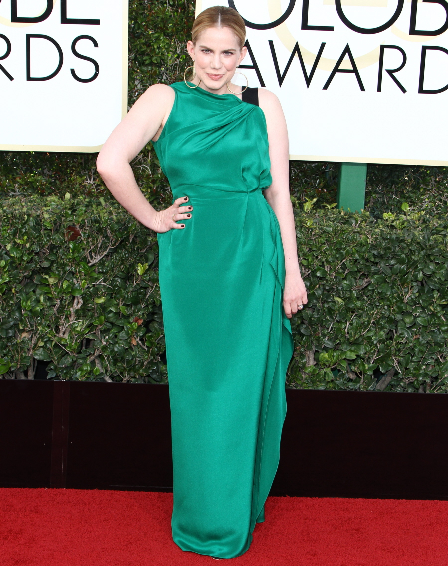 FFN_RIJ_GOLDEN_GLOBES_SET4_010817_52276976  bitchy | Emma Stone in star-covered Valentino on the Golden Globes: twee or candy? FFN RIJ GOLDEN GLOBES SET4 010817 52276976