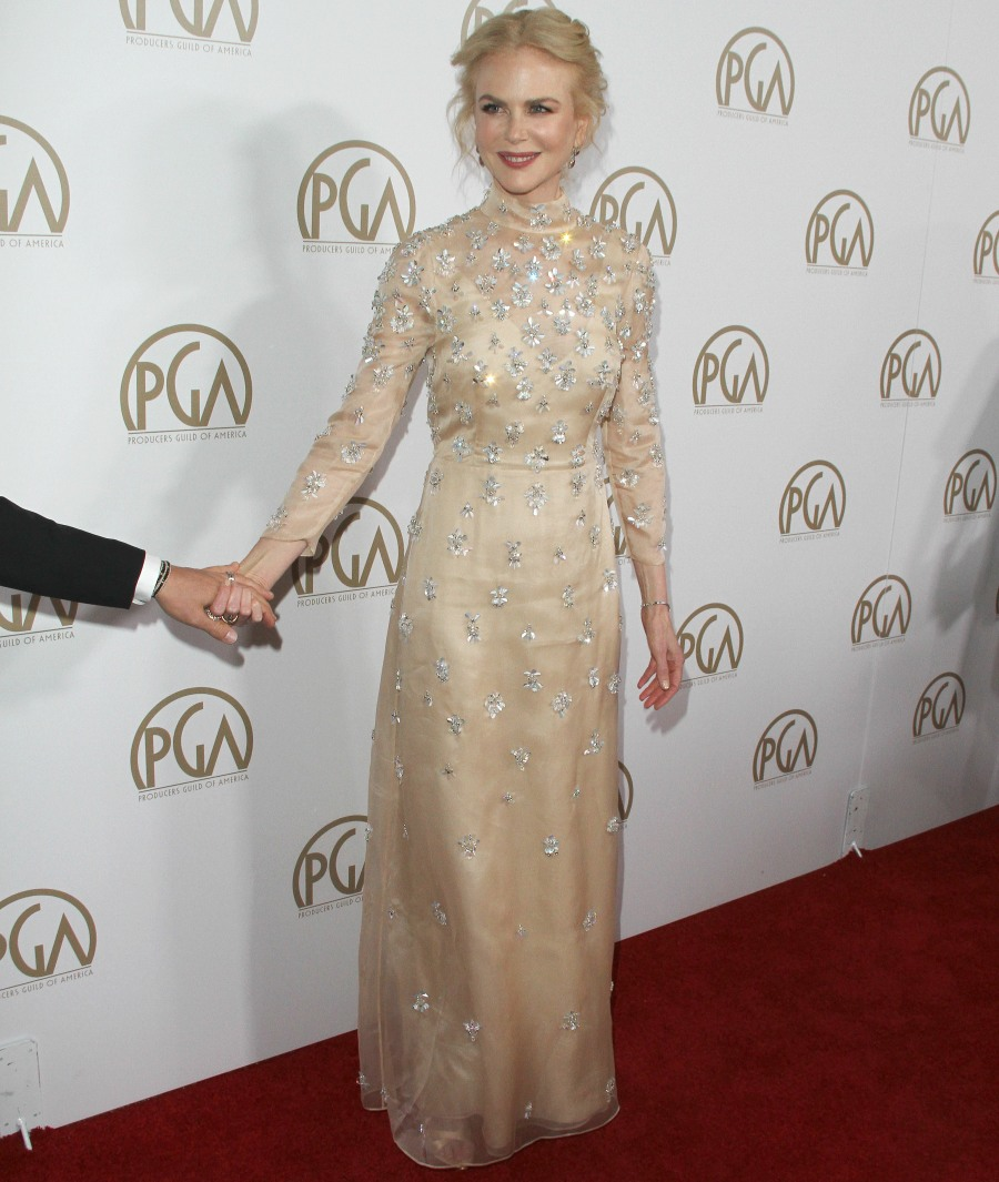 Nicole Kidman at The 28th Annual Producers Guild Awards in LA  bitchy | Kerry Washington in Rodarte on the Producers Guild Awards: gorgeous? FFN RIJ PRODUCERS GUILD SET2 012817 52297691