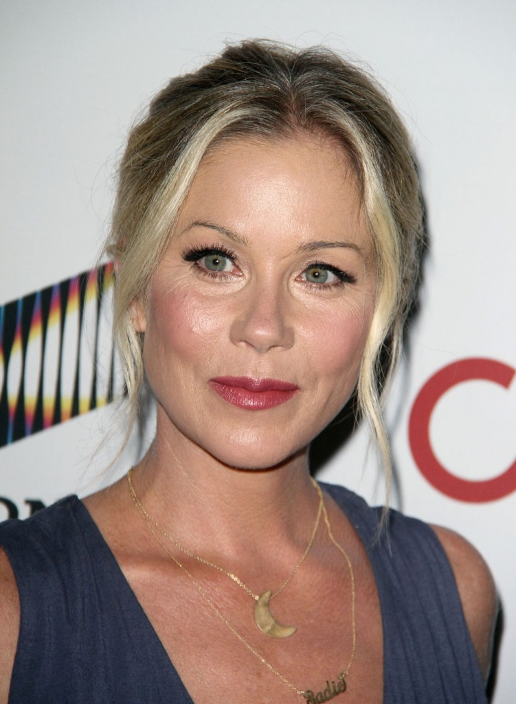 FFN_RIJ_SHAKESPEARE_091916_52180551  bitchy | Christina Applegate to pro-Trump trolls: 'I grew up in an abusive house' FFN RIJ SHAKESPEARE 091916 52180551