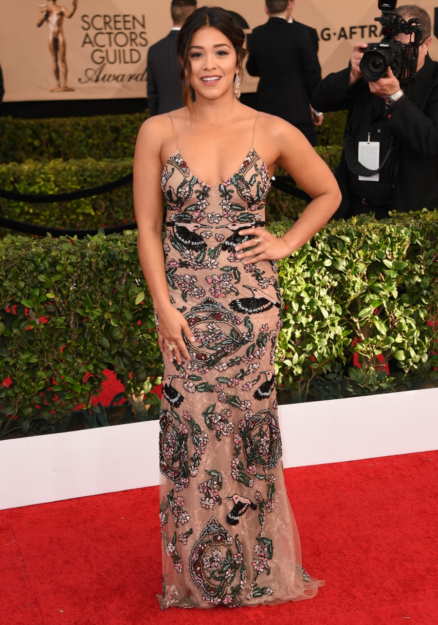 The 23rd Annual SAG Awards - Arrivals  bitchy | Kaley Cuoco in tulle Marchesa on the SAGs: twee, horrible & tragic? FFN SAG1 ChrisVisual 141 52298686