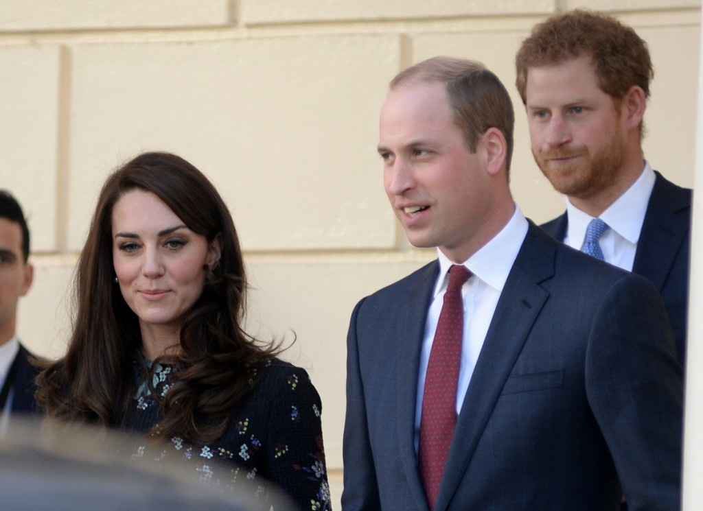 kate3  bitchy   Prince William & Kate affirm that they're eager to maneuver to London full-time kate3