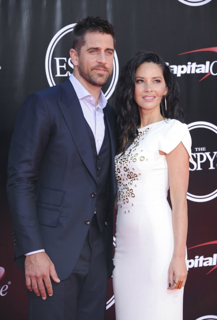 wenn25043947  bitchy | Olivia Munn thanks Packers followers for supporting Aaron Rodgers wenn25043947