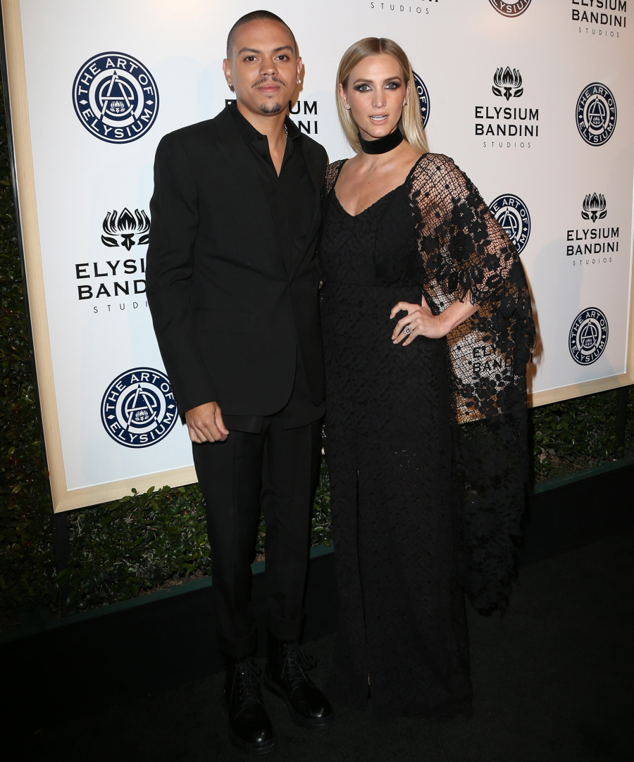 wenn30698356  bitchy | Amber Heard sparkles on the Artwork of Elysium gala: beautiful or boring? wenn30698356
