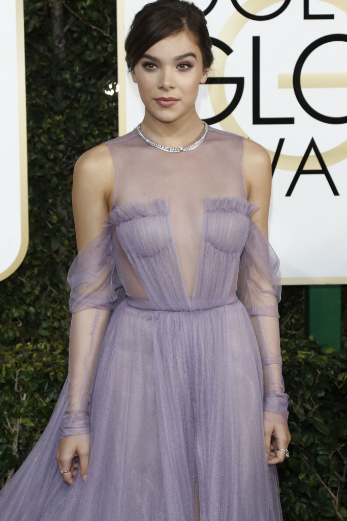 wenn30702599  bitchy   Sarah Jessica Parker in bridal Vera Wang on the Golden Globes: crazy-looking or cool? wenn30702599
