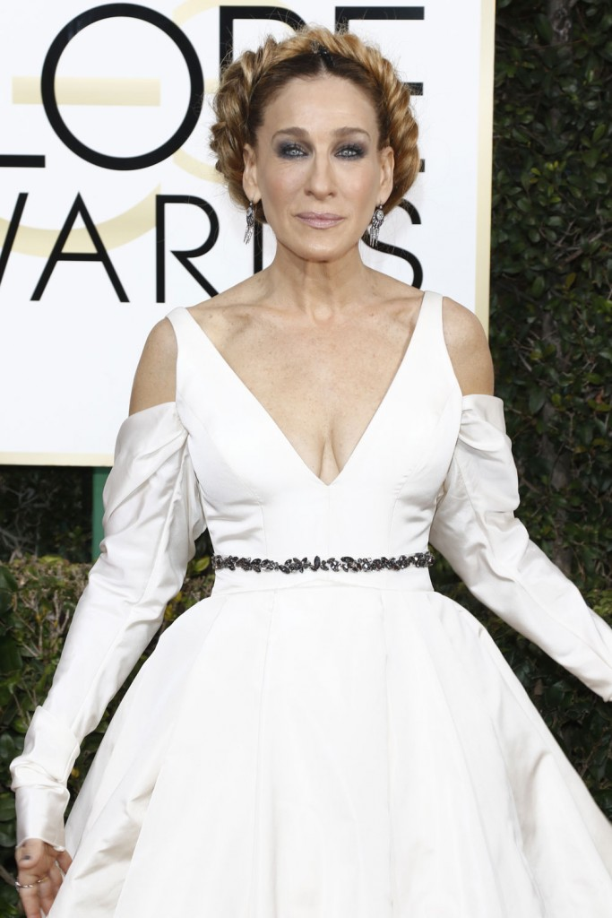 wenn30702647  bitchy   Sarah Jessica Parker in bridal Vera Wang on the Golden Globes: crazy-looking or cool? wenn30702647