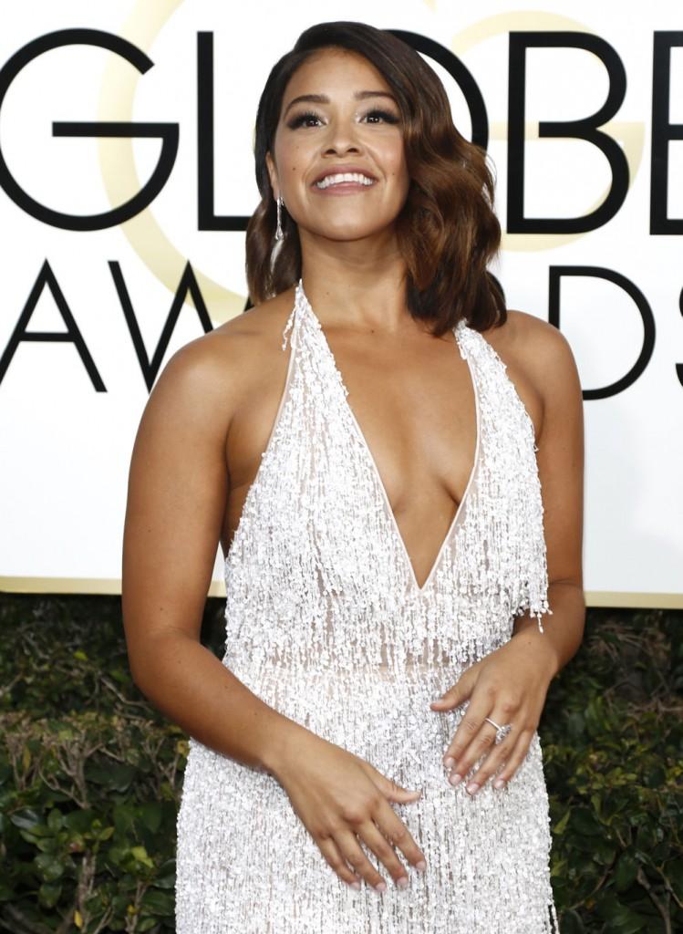 wenn30702668  bitchy | Drew Barrymore in Monique Lhullier on the Golden Globes: avian fab or fug? wenn30702668
