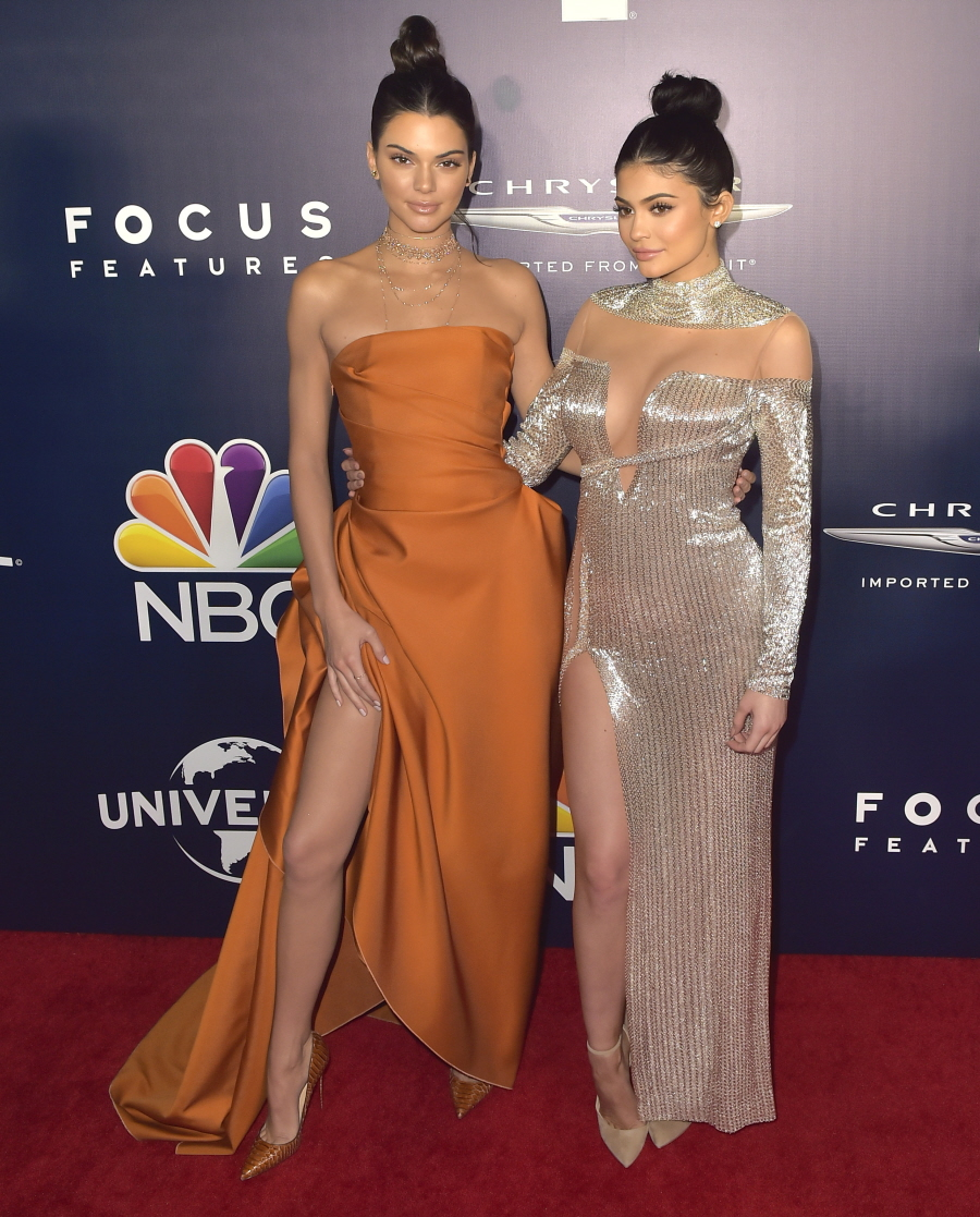 wenn30708782  bitchy | Kylie & Kendall Jenner each appeared crazy-plastic at a post-Globes celebration wenn30708782