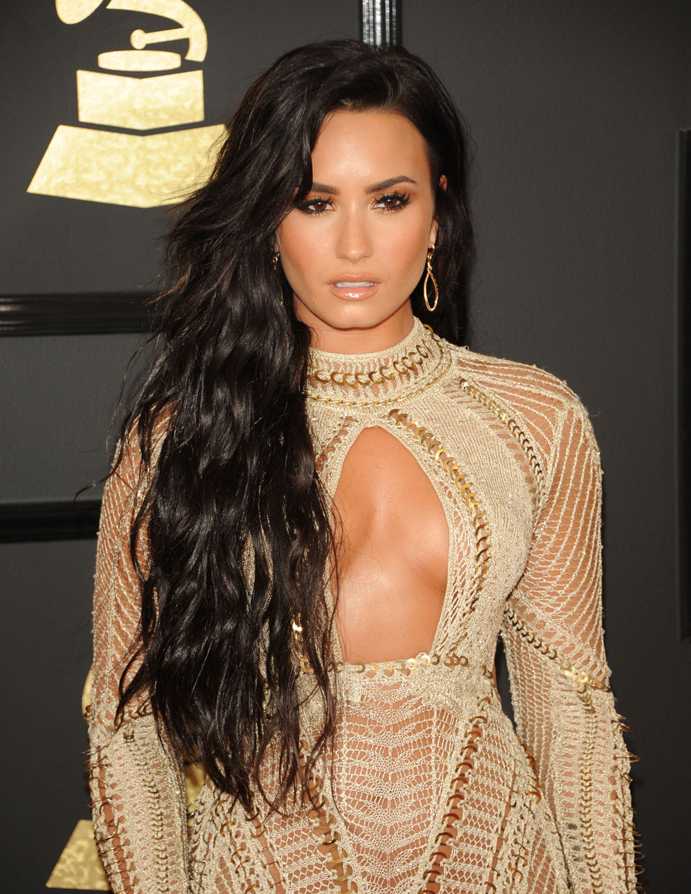 Cele Bitchy Demi Lovato In Julien Macdonald At The