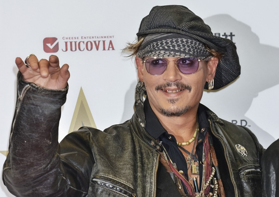 Classic Rock Awards 2016  bitchy | Johnny Depp actually spends $30Ok a month on wine, ex-managers declare wenn30003256